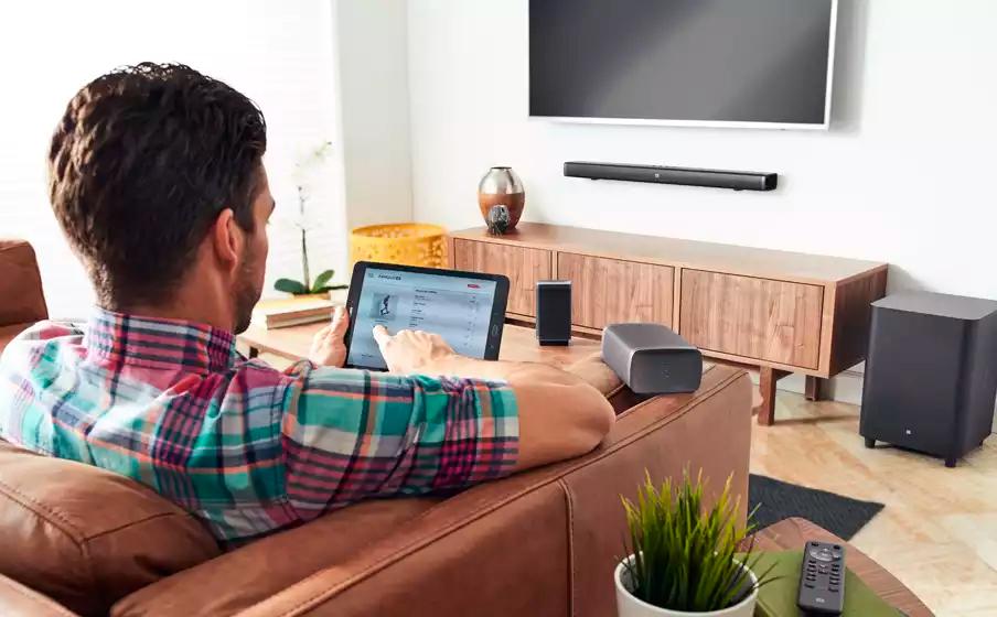 Soundbar JBL BAR 5.1 - 218W RMS, Bluetooth, SoundShift, Subwoofer sem Fio, Entrada HDMI/AUX/USB - Bivolt